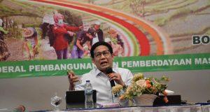 Mendes PDTT ketikamenyampaikan arahan dalam kegiatan Training of Trainers (TOT) Peningkatan Kapasitas Tenaga Pendamping Profesional P3PD tahap III di Hotel Salak Padjajaran Bogor, Senin (14/12/2020).
