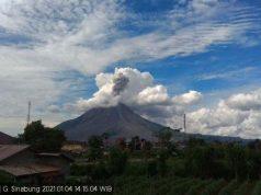 Gunungapi Sinabung yang berada di Kabupaten Karo, Sumatera Utara telah bererupsi selama tiga kali pada Senin (4/1). (Pusat Vulkanologi dan Mitigasi Bencana Geologi (PVMBG))