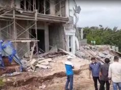 Dua rumah di kawasan elite Citraland, Telukbetung Selatan, Bandarlampung roboh akibat longsor, Selasa pagi (26/1/2021),