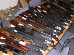 Ilustrasi senjata hasil penyelundupan.