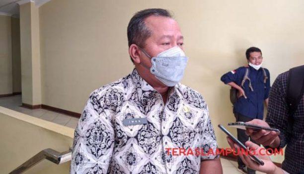 Kadis PU Kota Bandarlampung, Iwan Gunawan, menjelaskan soal rencana perbaikan jalan rusak di Kota Bandarlampung, Kamis (4/2/2021).