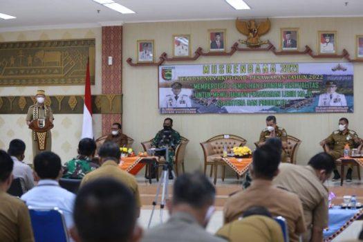 Sekdaprov Lampung Fahrizal menyampaikan sambutan pada Musrenbang Pesawaran, Selasa (23/3/2021).