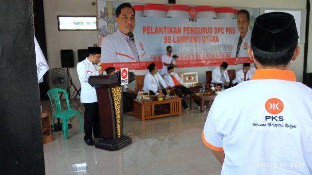 Ketua PKS Lampung Utara, M. Nuzul Setiawan mengambil ikrar para pengurus tingkat cabang, Jumat (25/3/2021).