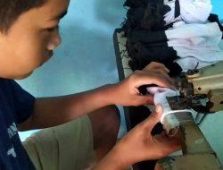 Cerita di Balik BUMDes Desa Sidomekar Lamsel sebagai Produsen Kaus Kaki