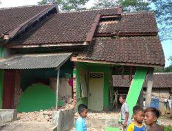 Gempa Bumi di Malang – Jatim: 7 Orang Meninggal, 300 Rumah Rusak