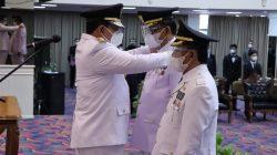 Gubernur Arinal Djunaidi melantik Bupati dan Wakil Bupati Pesisir Barat, Senin (26/4/2021).