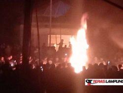 Diduga Buntut Maraknya Aksi Begal, Polsek Candipuro Dibakar Massa