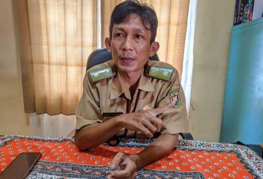 Lurah Pengajaran, Dede Suganda. Foto: Teraslampung.com/Dandy Ibrahim