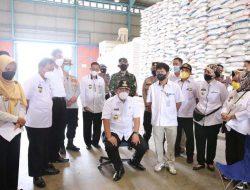 Jelang Hari Raya Idul Fitri 1442 H, Gubernur Lampung Cek Stok Beras di Gudang Bulog