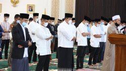Gubernur Lampung Laksanakan Shalat Ied di Mahan Agung
