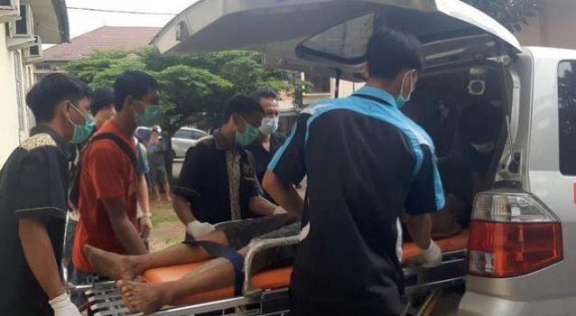 Jasad begal berinisial Alm(36), warga Desa Negara Saka, Jabung, Lampung Timur saat tiba dir Umah Sakit Bhayangkara, Bandarlampung, Selasa (25/5/2021).