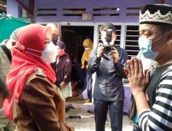 Walikota Eva Dwiana Sambangi Rumah Keluarga Anak Korban Hanyut
