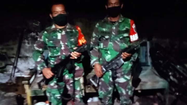 Anggota Koramil 421-07/Sidomulyo berhasil amankan senjata organik Laras panjang milik Polsek Candipuro yang tertinggal saat terjadinya aksi ratusan massa yang melakukan perusakan dan pembakaran Mapolsek Candipuro