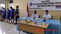 Kepala BNNP Lampung Brigjen Pol Jafriedi (kiri) bersama Kabid Pemberantasan Totok (kanan).