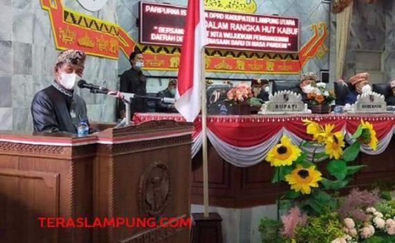 Bupati Budi Utomo menyampaikan sambutan dalam perayaan HUT ke-75 Lampung Utara di sidang paripurna DPRD Lampung Utara, Selasa (15/6/2021).