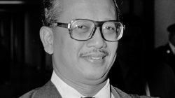Sosok Mochtar Kusumaatmadja pada 17 November 1978, saat ia masih menjadi Menteri Luar Negeri RI. Foto: wikipedia.org