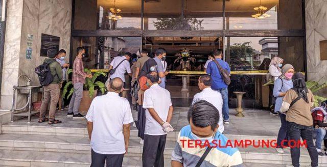 Penyegelan oleh TP4D di Hotel Sahid Kota Bandarlampung, Selasa (23/6/2021).