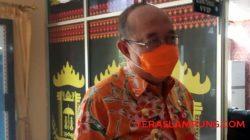 Sekretaris Daerah Kabupaten Lampung Utara, Lekok menjawab pertanyaan seputar kesiapan pembayaran uang proyek.