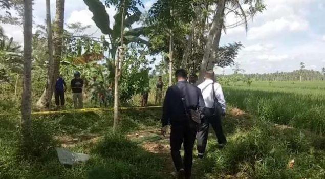 Lokasi penemuan mayat di Dusun Pagar Jarak, Pekon Tiuh Memon, Kecamatan Pugung, Kabupaten Tanggamus, Senin pagi (12/7/2021).