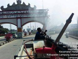 Satgas Covid-19 Bandarlampung Semprotkan Disinfektan di Jalan Protokol