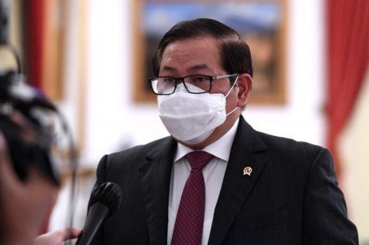 Seskab Pramono Anung saat memberikan keterangan pers, di Istana Negara, Jakarta, Jumat (16/07/2021). (Foto: BPMI Setpres/Lukas)
