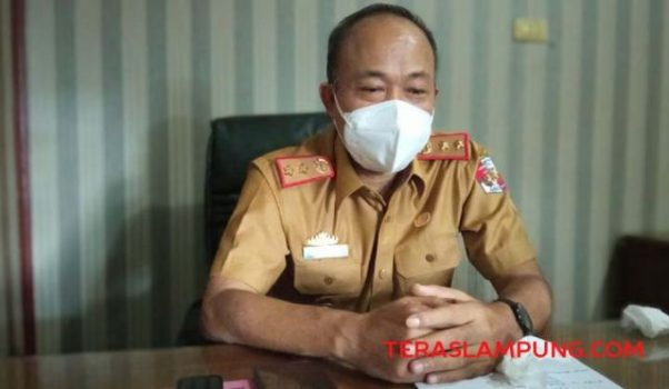 Sekretaris DPRD Lampung Utara, A. Alamsyah memberikan penjelasan mengenai langkah strategis apa yang akan diambilnya untuk membenahi manajemen keuangan di instansi yang dipimpinnya, Senin (26/7/2021).