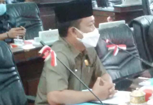 Anggota DPRD Lampung Utara, Ali Darmawan saat mengkritik kinerja Satgas Covid-19, Senin (9/8/2021).