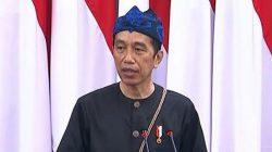 Presiden Joko Widodo mengenakan pakaian adat Baduy saat menyampaikan pidato kenegaraan memperingati HUT ke-76 RI, Senin (16/8/2021).