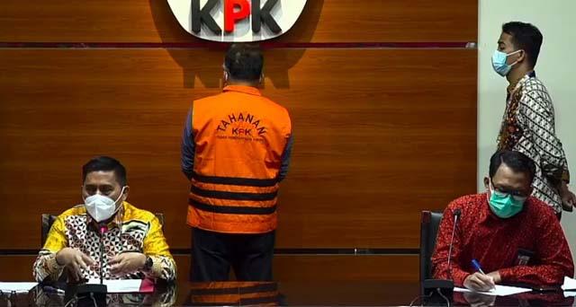 Deputi Penindakan KPK, Karyoto (kiri), menjelaskan kasus dugaan suap jual beli jabatan Sekda Tanjung Balai yang melibatkan Walikota Tanjungbalai 2017-2021 M. Syahrial, dalam konferensi pers secara daring, Jumat petang (27/8/2021).