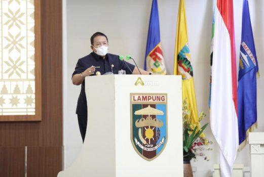 Gubernur Lampung Arinal Djunaidi menyampaikan jawaban atas pemandangan umum fraksi-fraksi DPRD Provinsi Lampung terhadap 8 Rancangan Peraturan Daerah (Raperda) Inisiatif Pemerintah Provinsi Lampung dalam Rapat Paripurna DPRD, Rabu (1/9/2021).