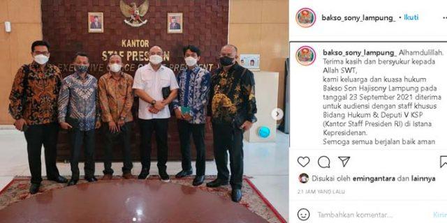Keluarga dan pengacara Bakso Sony usai bertemu staf khusus KSP, Kamis (23/9/2021). Foto: Instagram