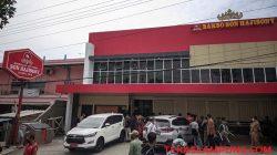 Gerai Bakso Sony/Son Hajisony di Kemiling, satu dari 12 gerai yang ditutup sementara oleh TP4D Pemkot Bandarlampung, Senin (20/9/2021). Foto: Teraslampung.com/Dandy Ibrahim