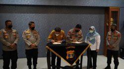Kapolda Lampung dan Rektor Itera menandangani MoU Kerjsama di bidang pengembangan SDM dan teknologi, di Mapolda Lampung, Rabu (8/9/2021).