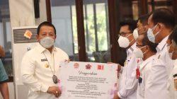Gubernur Lampung Arinal Djunaidi menerima bantuan alat rapid test antigen,Rabu (22/9/2021).
