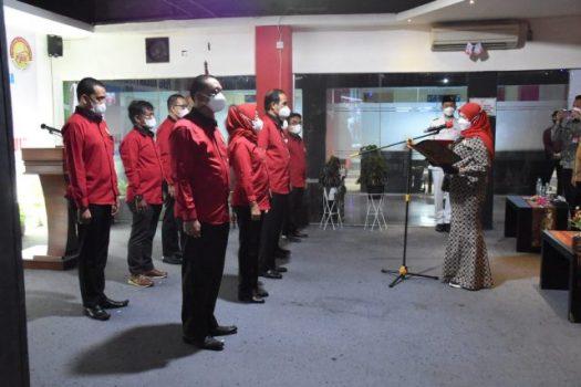 Walikota Eva Dwiana melantik pengurus POBSI Kota Bandarlampung periode 2021 -2025.