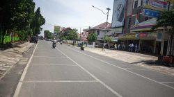 Ruas Jalan Jenderal Sudirman hingga Jalan Jenderal Gatot Subroto dicat putih dengan motif kotak. Rencananya tempat itu akan dipakai Pemkot Bandarlampung menggelar wisata kuliner bagi UMKM.