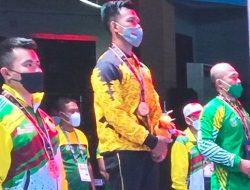 Raih Emas, Lifter Lampung Viki Arianto Terlalu Perkasa bagi Para Pesaingnya