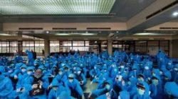 Kementerian Kelautan dan Perikanan (KKP) bekerjasama dengan Ditjen Imigrasi dan Kementerian Luar Negeri memulangkan 200 orang anak buah kapal (ABK) berkewarganegaraan Vietnam pelaku Illegal Fishing non justisia melalui Bandara Internasional Hang Nadim, Batam, Kepulauan Riau. (Foto: dok Humas PSDKP)