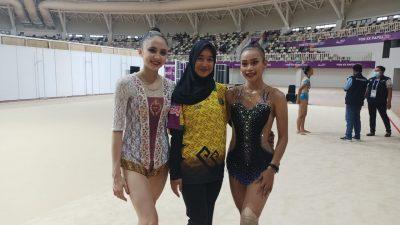 Sutjiati Narendra dan Tri Wahyuni, dua atlet andalan Lampung di cabang senam ritmik. Foto: Jul/Edi Purwanto