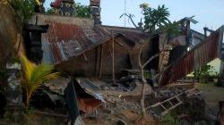 Bangunan roboh akibat gempa bumi yang mengguncang wilayah Bali, Sabtu dini hari, 16 Otktober 2021. Foto: BPBD Bali.