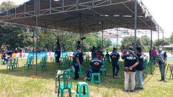 Suasana perlombaan burung berkicau memperebutkan piala PWI Lampung Utara di lapangan kantor UPTD Balai Pengelolaan Sumber Daya Air Provinsi Lampung di Jalan Lintas Tengah Sumatera Lampung Utara, Minggu pagi (10/10/2021).