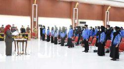 Walikota Eva Dwiana melantik dan mengambil sumpahnya 449 orang pejabat fungsional di Aula Semergou, Senin (25/10/2021).