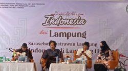 Isbedy Stiawan ZS, Ari Pahala Hutabarat, dan Iswadi Pratama pada acara sarasehan yang digelar Kantor Bahasa Provinsi Lampung, Jumat (15/10/2021).