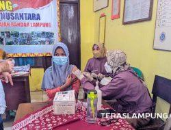 Ratusan Warga Tanjunggading Bandarlampung Terima Suntikan Pfizer